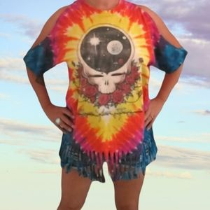 Upcycled Grateful Dead Stealie T-shirt Refashioned